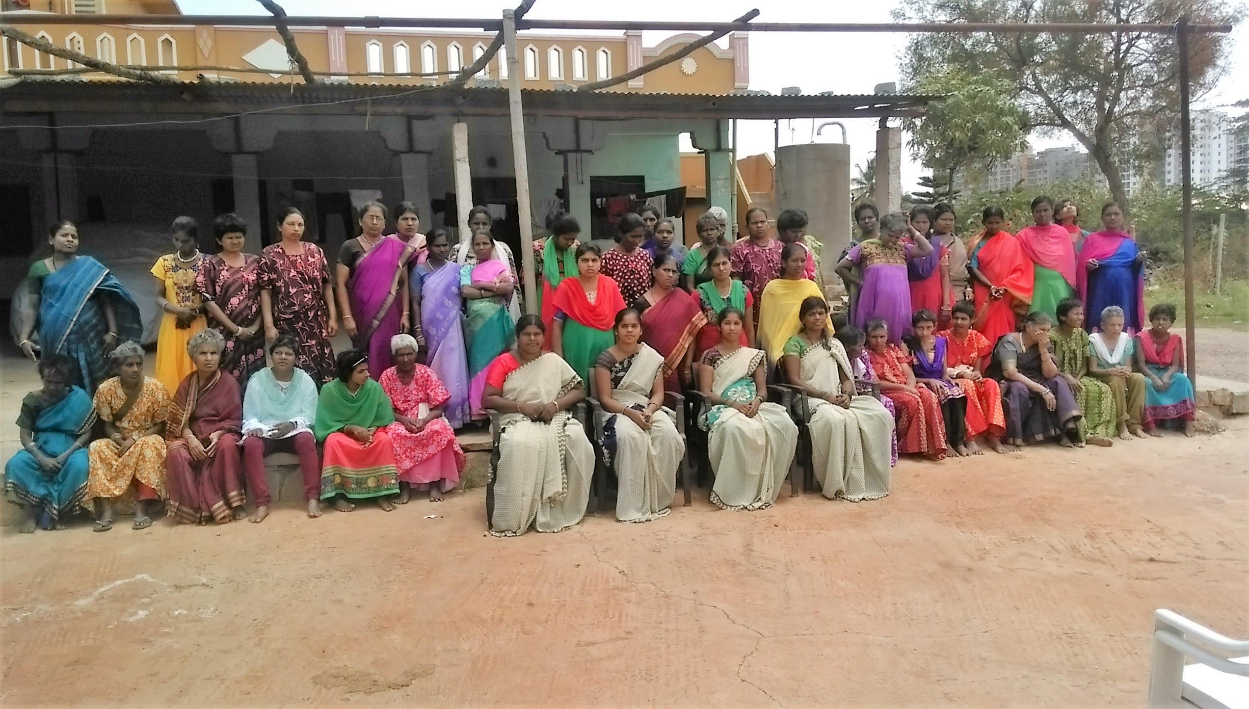 groepsfoto Abayashram (b)